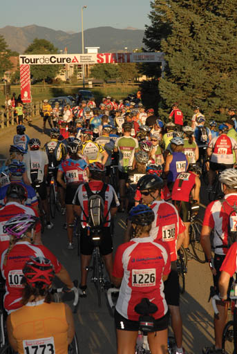 cyclists at start